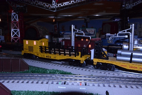 Toy Train Operating Society Southern Pacific Division Passing View of the Lionel MOW Tie Work Car 6-82092