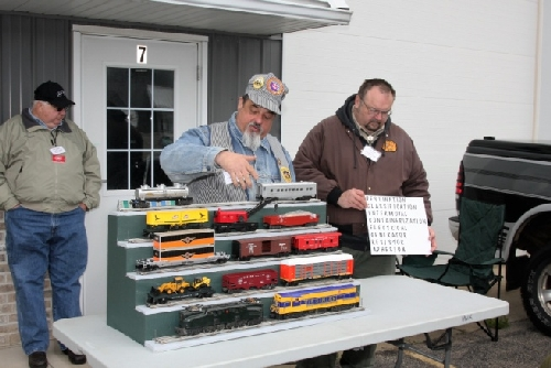 Types of trains the cars and their uses are displayed by CLRC Ambassadors to Lionel and Boy Scouts of America working on Railroading Merit Badge