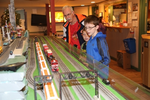 Lionel Train Layouts of all kinds s at CLRC Open House March 2016