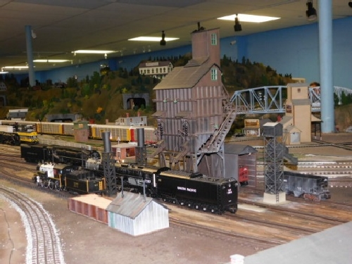 The layout included operating train accessories at the October 2016 Open House for the NLOE Lionel Club Ambassador