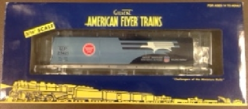 As show in the review by the Lionel Club Ambassador Wichita Toy Train Club the 6-48641 UP Heritage MoPac Hopper comes in an American Flyer Trains window box