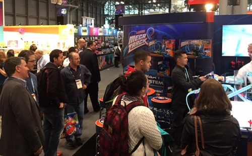 Lionel Booth Draws Crowds at 2 016 Toy Fair NY