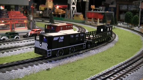 Tie-Jector Norfolk Southern with Tie Caboose Video Review of Tie-Jector Norfolk Southern with Tie Caboose 6-81447  6-82094 byt the Chicagoland Lionel Railroad Club Lionel Club Ambassador