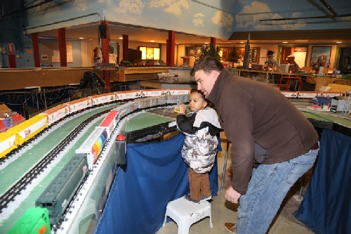 Kids enjoy Lionel Trains at CLRC Open House March 2016