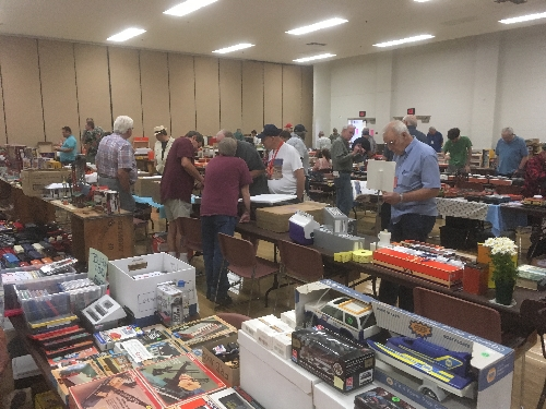 TTOS  SPD Lionel Club Ambassador had lots of people attending the November Train Meet