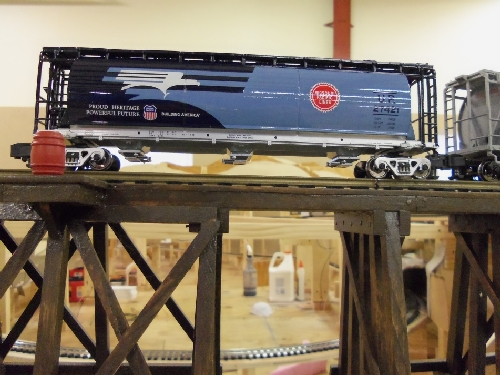 The 6-48641 UP Heritage MoPac Hopper in the review by the Lionel Club Ambassador Wichita Toy Train Club was the winner by kids ages 3 to 12