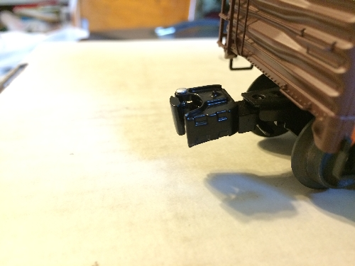 View of the coupler of the Pacific Fruit Express Steel-Sided Reefer in the Wichita Toy Train Club Lionel Club Ambassador product review