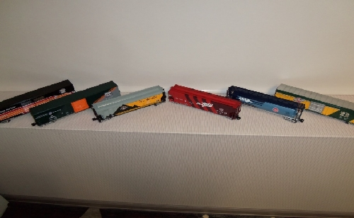 6 O scale freight cars shown from the review of the Lionel Heritage Set of O scale freight cars By Wichita Toy Train Club in Wichita KS Club Ambassadors to Lionel