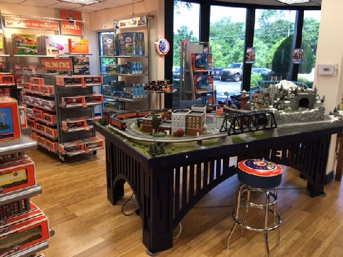 New Jersey Hi-Railers Lionel Ambassador Club at Lionel in Concord NC see the exciting layout in the Lionel Retail Store