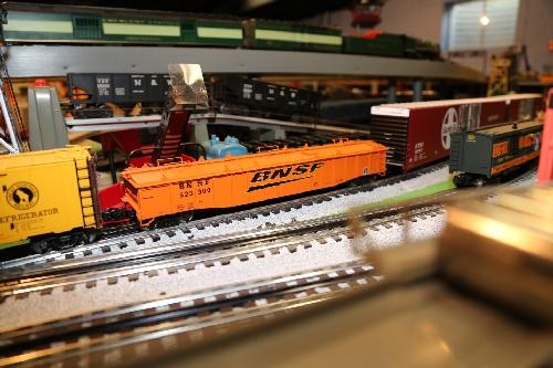 Chicagoland Lionel Railroad Club Lionel Ambassador Club Product review Lionel Covered Gondola 6-81891