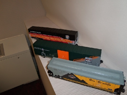 3 O scale freight cars shown from the review of the Lionel Heritage Set of O scale freight cars By Wichita Toy Train Club in Wichita KS Club Ambassadors to Lionel