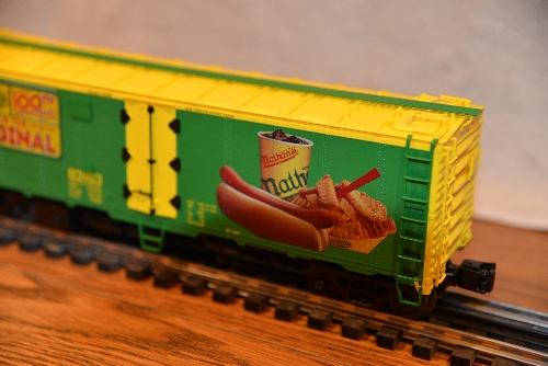 Lionel Club Ambassador New Jersey Hi-Railers shows the Hot Dog meal on the 6-58266 NLOE Nathans 100yrs Anniversary Reefer 83163