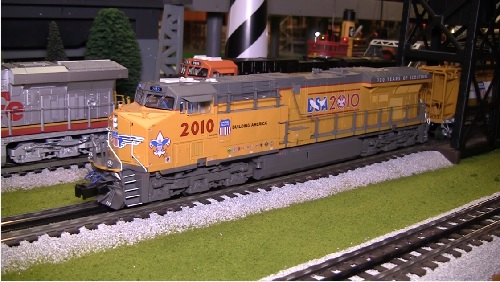 Chicagoland Lionel Railroader Club ES44AC Locomotive Video Review Image