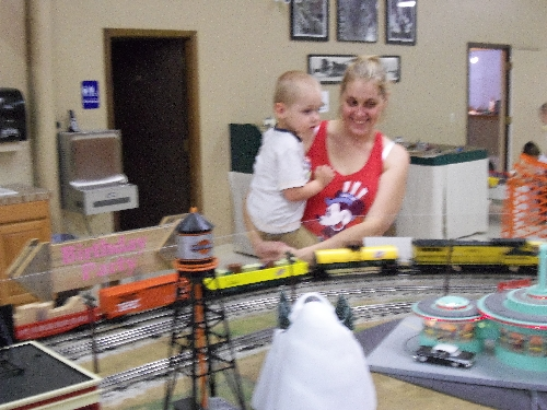 At the WTTC Open House Club Ambassadors to Lionel the first weekend of August 2016 there was lots of family fun as the trains ran the rails