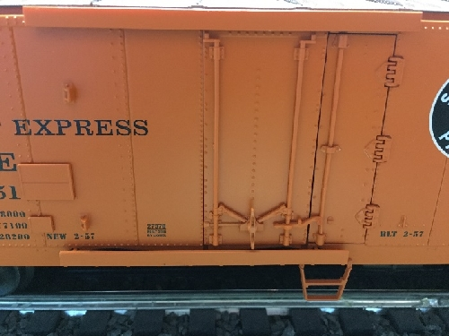 In the product review by NLOE Lionel Club Ambassadors the image shows the Pacific Fruit Express Steel-sided Refrigerator Car 6-27372 with combination door hinged and plug door