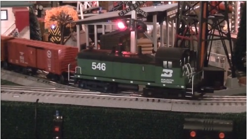 Image from Product review Video of 6-82164 Burlington Northern LionChief Plus NW2 Diesel by the Toy Train Operating Society Southern Pacific Division September 2016