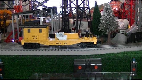Image from the TTOS Southern Pacific Division Video Review of the Lionel 6-82265 MOW Welding Car